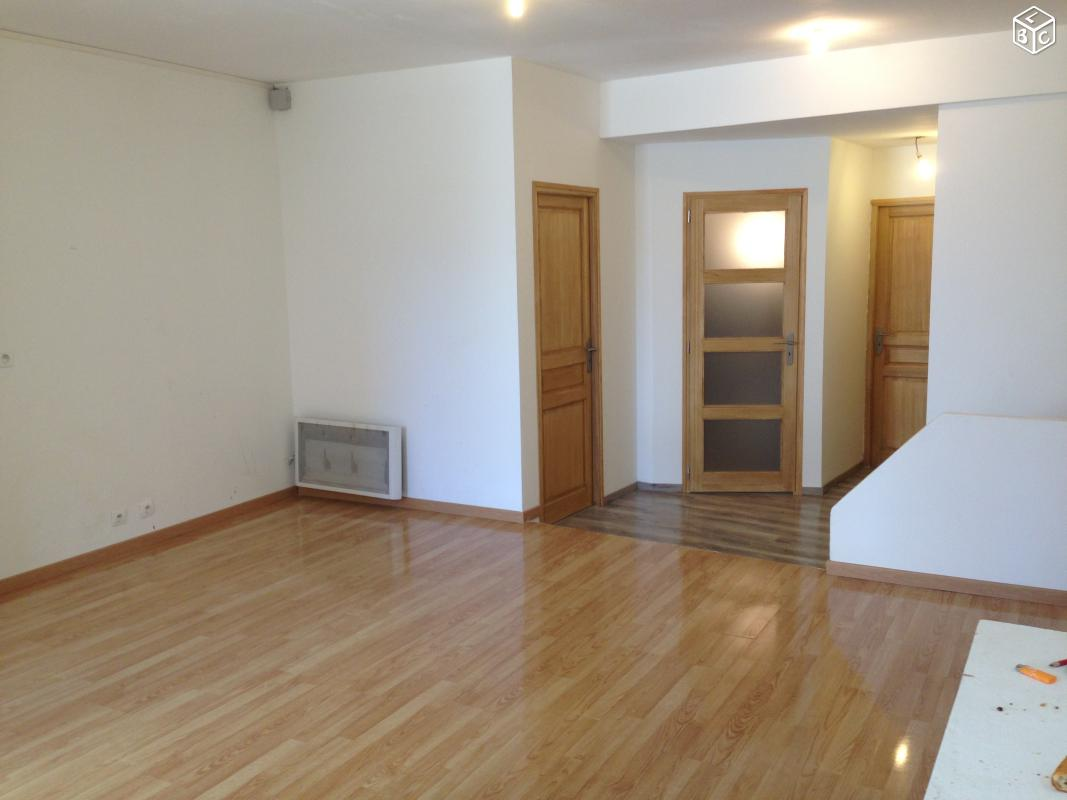 appel d 39 offre particulier annonce 262. Black Bedroom Furniture Sets. Home Design Ideas